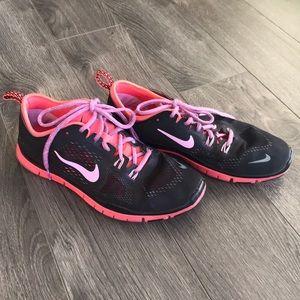 Nike Cross Training Sneaker